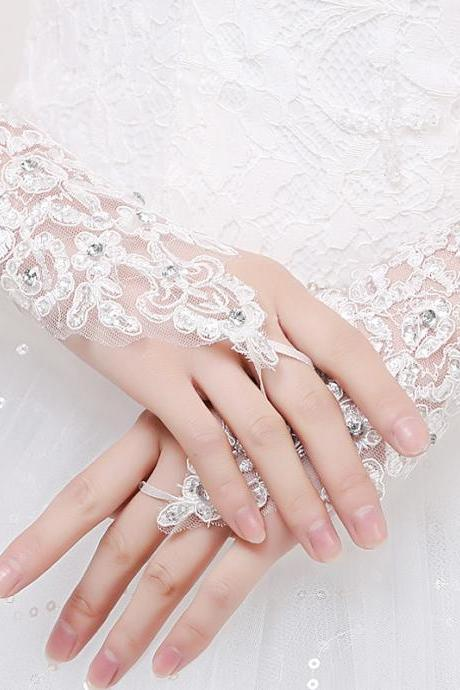 White Ivory Lace Hook Finger Bridal Gloves Wrist Length Sequins Wedding Gloves