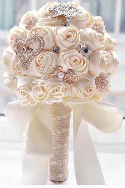 Gorgeous Beaded Crystal Wedding Bouquet Ivory Rose Bridesmaid Flowers Artificial Sapphire Pearl Bridal Bouquets
