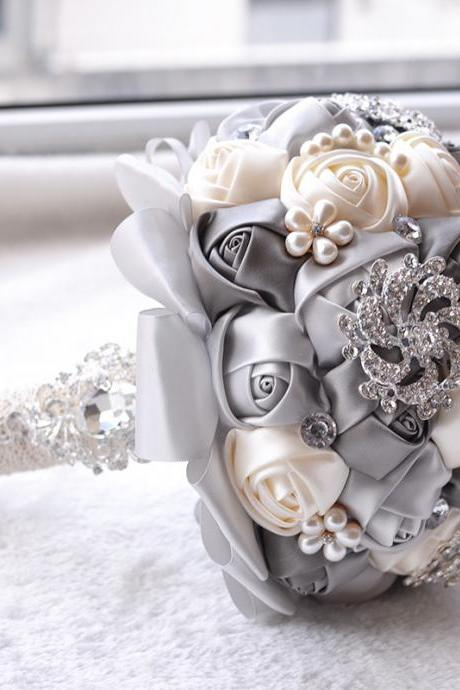 Crystal Luxury Bling Wedding Bouquet Sparkle Brooch Bouquet Wedding Accessory Artifical Flowers Pearls Bridal Bouquets