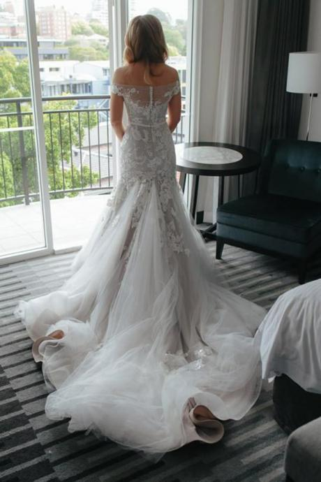 Mermaid Wedding Dresses,Off-the-Shoulder Wedding Dresses With Court Train, Tulle Wedding Dress with Appliques,Charming Bridal Dress