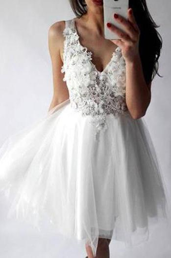 White Sexy Homecoming Dresses, V-neck Appliques Homecoming Dresses, Cheap Party Dresses, Sexy Short Prom Dresses, Lace Homecoming Dresses