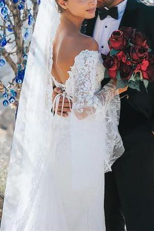 Off-The-Shoulder Lace Mermaid Wedding Dresses Puffy Sleeves