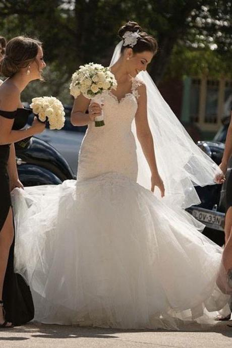Off Shoulder Tulle Bridal Gowns Mermaid Applique Sleeveless Wedding Gowns